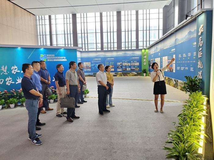 副院长孙洪武一行考察南京国家农业高新技术产业示范区